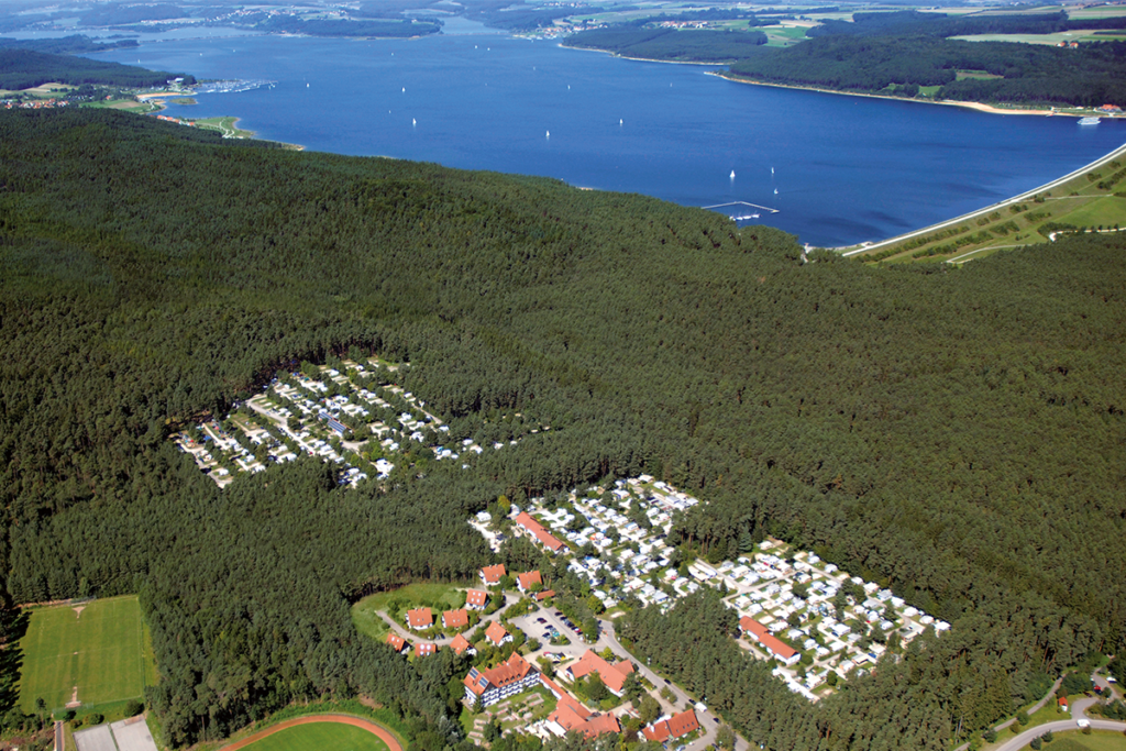Luftaufnahme-Waldcamping-am-Brombachsee
